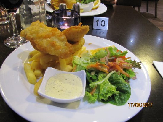Solace Cafe & Restaurant: Fish and Chips off the specials board - tasty