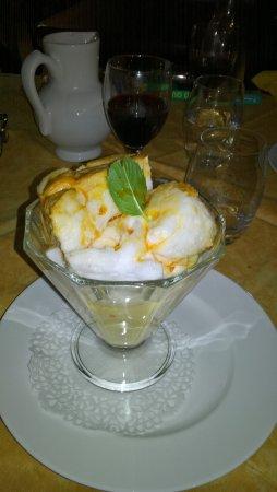 Auberge des Marronniers: Les délicieuses et généreuses iles flottantes