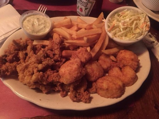 Norwood, MA: Fried clams and scallops
