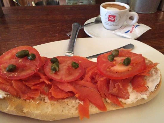 Cafe 4 Gatos: photo2.jpg