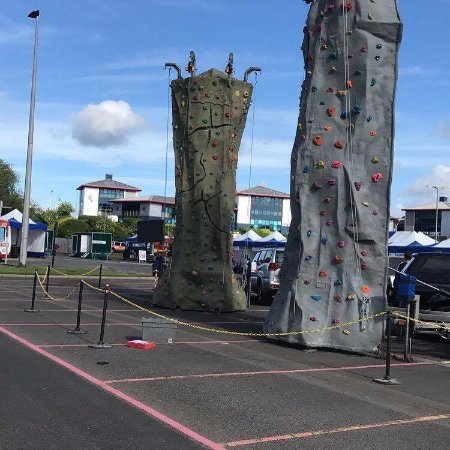 Audley, UK: Mobile climbing wall