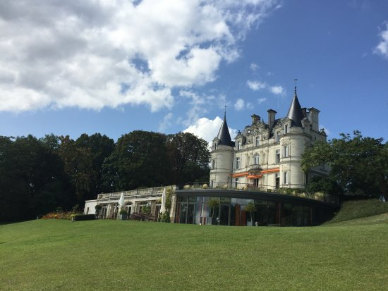 Domaine de la Tortiniere: View form the grounds