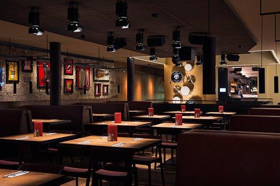 Hard Rock Cafe Average Price