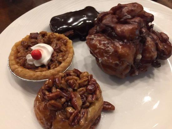 Toucan Charlie's Buffet & Grille: Toucan Charlie's breakfast Buffet 12