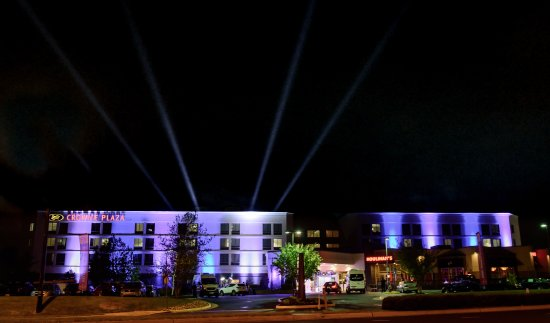 Herndon, VA: Welcome to the Crowne Plaza Dulles Airport Hotel