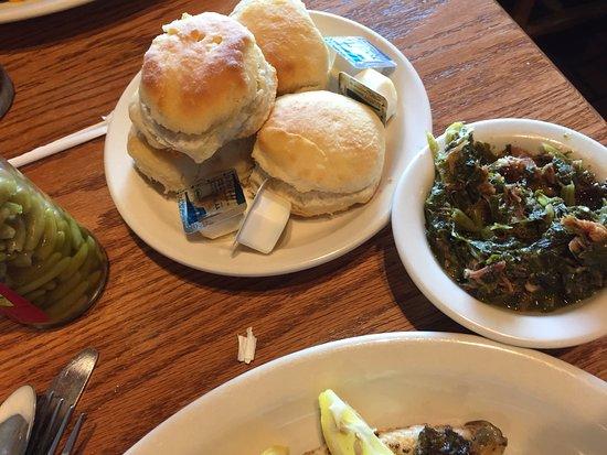Кингзланд, Джорджия: turnip greens and biscuits