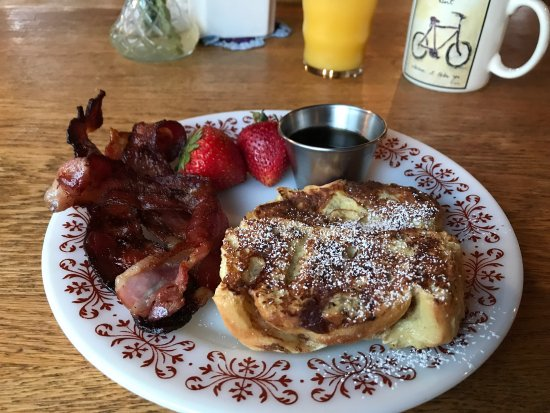 Bison Creek Ranch: French toast, nightly sunsets, hummingbirds, and huckleberry pancakes!