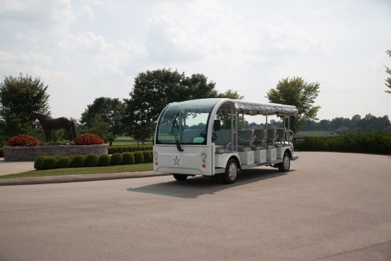 Versailles, Кентукки: See the farm on the WinStar Shuttle Tour!