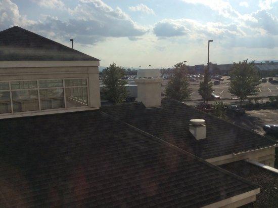 Hilton Garden Inn Wilkes Barre: View from room: strip