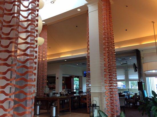 Hilton Garden Inn Wilkes Barre: Lobby
