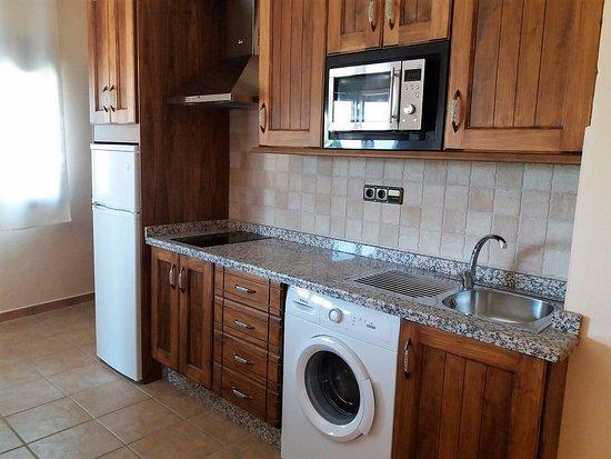 Cocina de un apartamento - Picture of Apartamentos Sierra de Segura ...