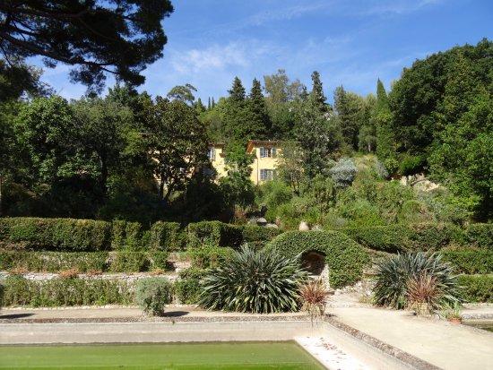 Le jardin hispano mauresque bild fr n serre de la madone for Jardin hispano mauresque