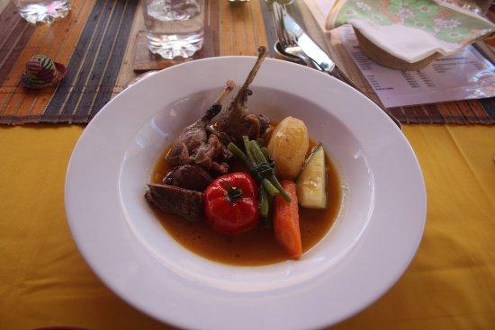 Belo Tsiribihina, Madagascar: Mains. Duck. Absolutely delicious.