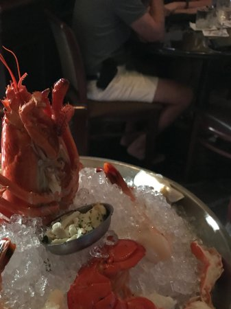 Ruth's Chris Steak House: Seafood tower for two