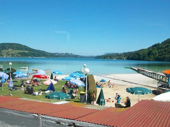 Restaurant Beau Rivage: Vue sur le lac depuis la terrasse du restaurant