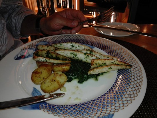 Kesswil, Switzerland: Eglifilet con patate al rosmarino