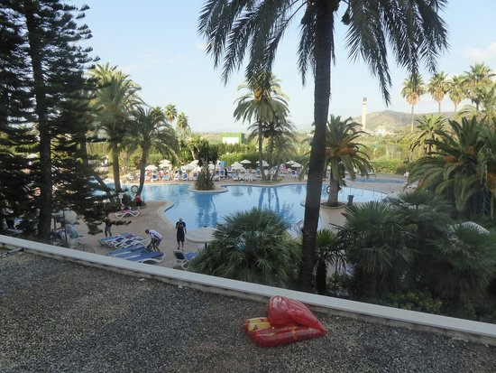 Eix Lagotel: view from kids room
