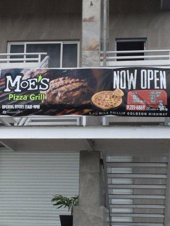 MOE'S Pizza Grill: Outside