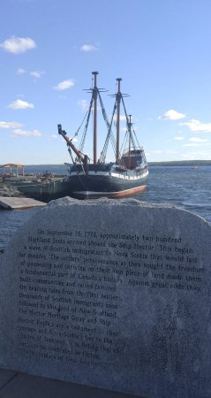 Pictou, Καναδάς: The  ship Hector & museums are only 2 minutes walk from the hotel