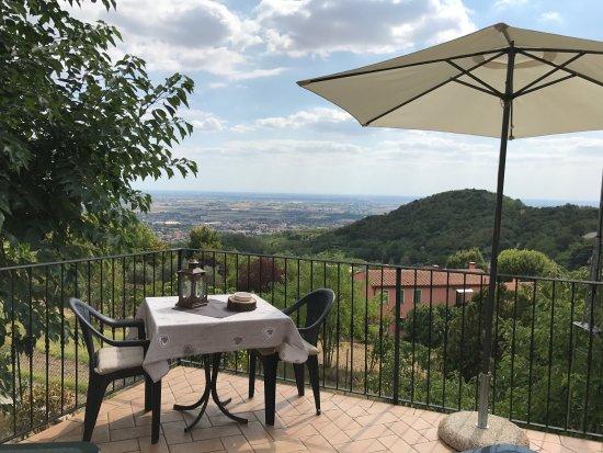 Baone, Italia: Terrazza privata della camera del riccio...