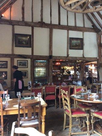 Burgess Hill, UK: Beautiful old barn