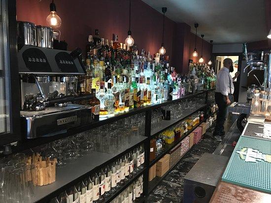 Malavida Cocktail Bar