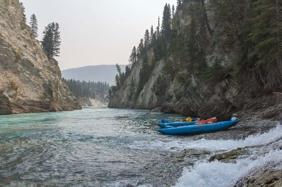 Nipika Mountain Resort: Paddling the Kootenay River