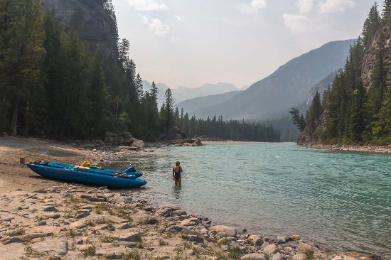 Nipika Mountain Resort: Camping along the Kootenay River