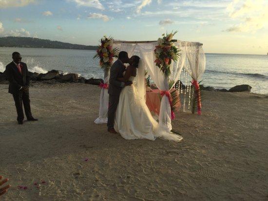Windjammer Landing Villa Beach Resort: Sealing the deal!
