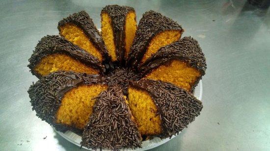 Bolo de cenoura com cobertura de chocolate e granulado! ️ - Picture of Casa  de Bolos - Campo Belo, Sao Paulo - Tripadvisor