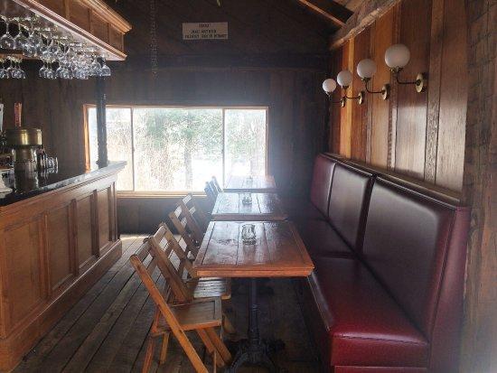 Hobart, نيويورك: Bar seating