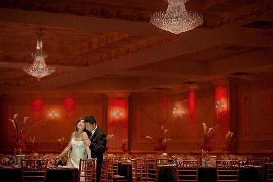 The Wilshire Grand Hotel: Ballroom