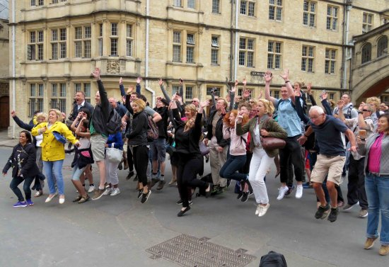 Footprints Tours Oxford: The graduation picture that I clicked. What Tom clicked is on FB.