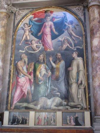 Eglise Santo Spirito : Foto centrale fatta con zoom dall'esterno
