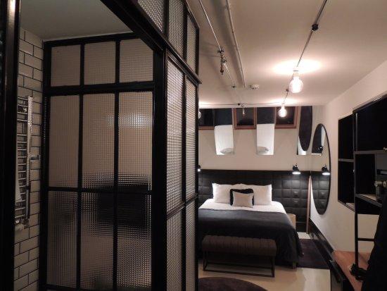 Chambre décorée avec goût - Picture of Hotel Rum Budapest, Budapest ...