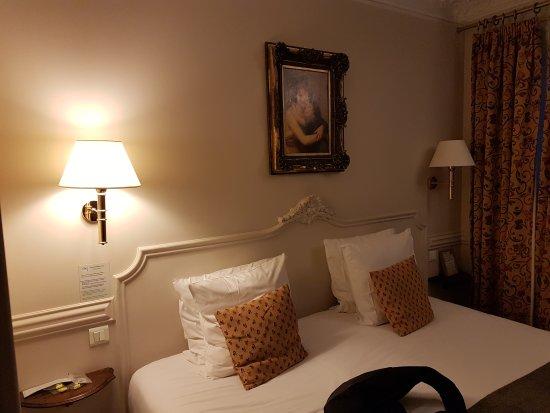 Hotel de la Porte Doree : 20170820_210550_large.jpg
