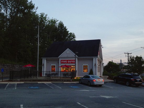 Five Guys, East Lyme, CT - Exterior
