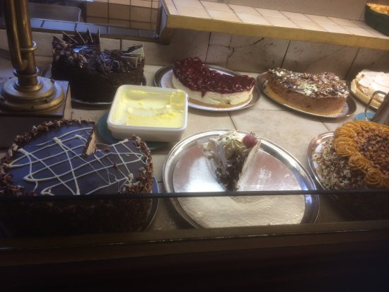 East Brent, UK: Just some of the desserts