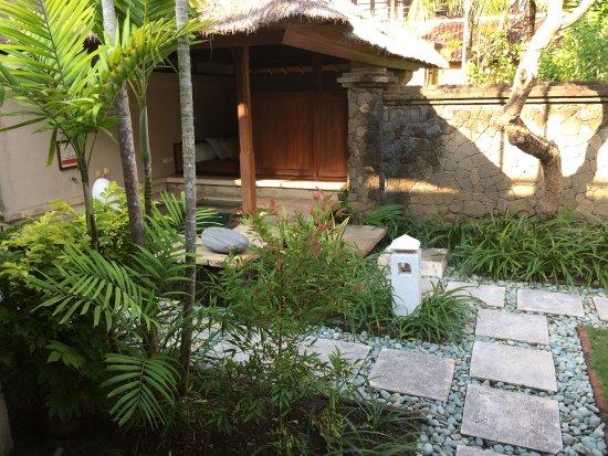 Banyuwedang, Indonesia: private villa garden