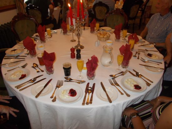 Duke of Gordon Hotel: Table layout