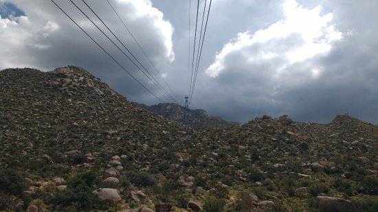 Sandia Peak Tramway: View at the start of the trip.