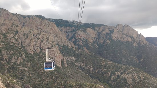 Sandia Peak Tramway: A tram car passes the other way.