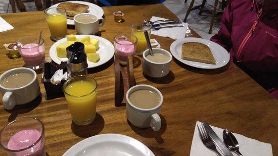 Heliconia Hotel : Desayuno
