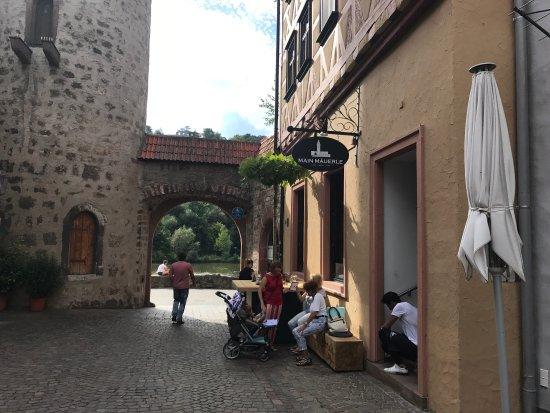 Karlstadt, Almanya: Main Mauerle