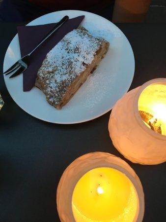 Strudel-Cafe Kröll: Apfelstrudel