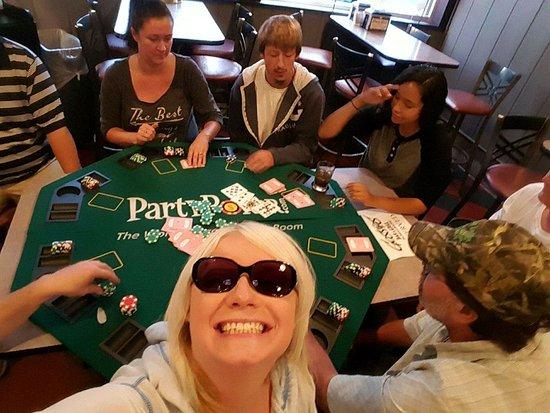 Farmington, MN: Texas Hold EM THursdays at 7pm