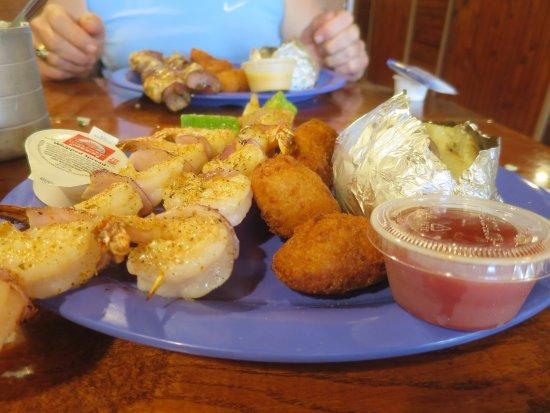 Michie, TN: shrimp kabob platter
