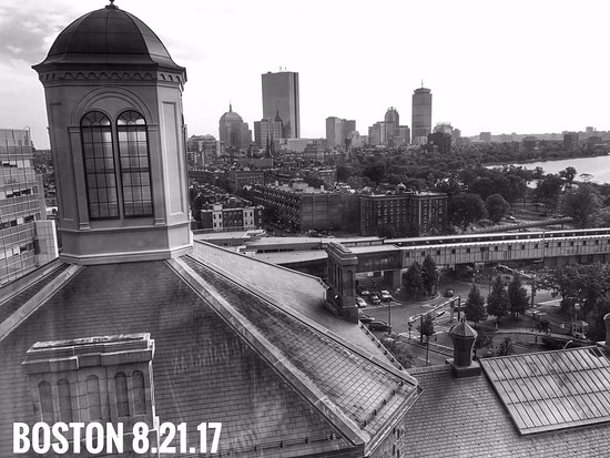 The Liberty, a Luxury Collection Hotel, Boston: 13th floor lobby view