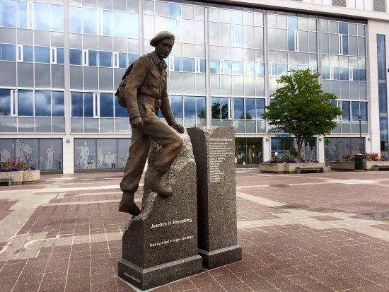 Statute of Joachim Ronneberg