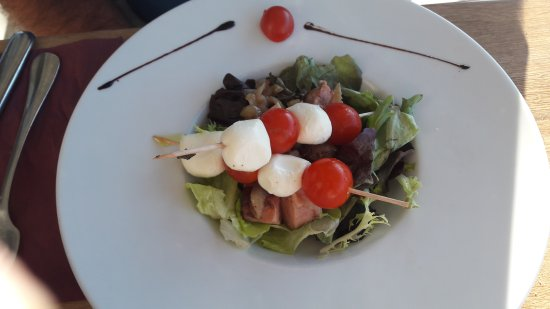 Restaurant Le Cheval Rouge : Rillons brochettes tomates mozza